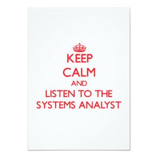 Guarde la calma y escuche el analista de sistemas anuncio personalizado