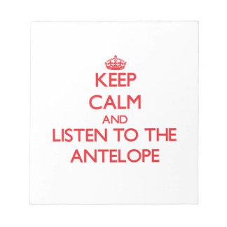 Guarde la calma y escuche el antílope blocs