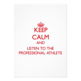 Guarde la calma y escuche el atleta profesional anuncio