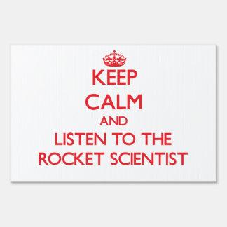 Guarde la calma y escuche el científico de Rocket Carteles