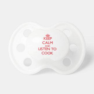 Guarde la calma y escuche el cocinero