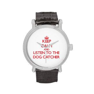 Guarde la calma y escuche el colector de perro relojes