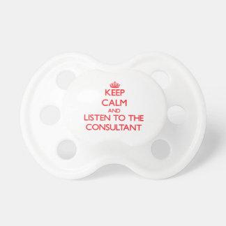 Guarde la calma y escuche el consultor chupetes para bebés