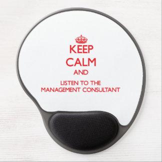 Guarde la calma y escuche el consultor en alfombrillas con gel
