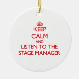Guarde la calma y escuche el director de escena adorno navideño redondo de cerámica