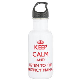 Guarde la calma y escuche el encargado de la