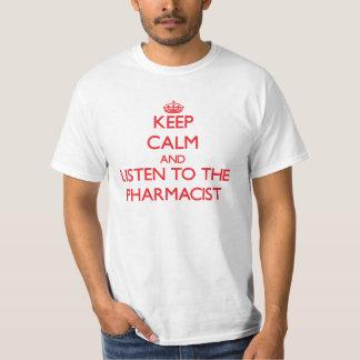 Guarde la calma y escuche el farmacéutico poleras