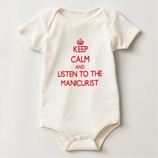 Guarde la calma y escuche el manicuro trajes de bebé