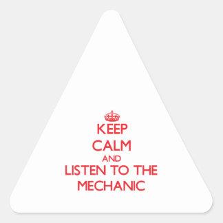 Guarde la calma y escuche el mecánico pegatina triangular