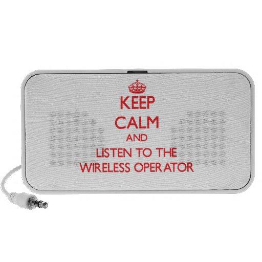 Guarde la calma y escuche el operador inalámbrico altavoces