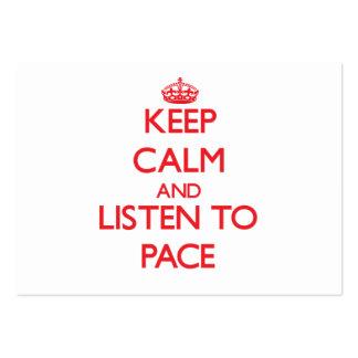 Guarde la calma y escuche el paso tarjetas de visita