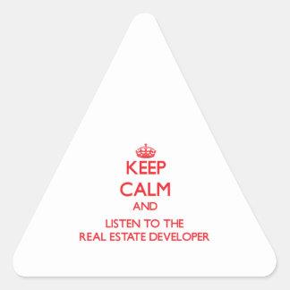 Guarde la calma y escuche el promotor inmobiliario calcomanías triangulos personalizadas