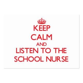 Guarde la calma y escuche la enfermera de la escue tarjetas de visita