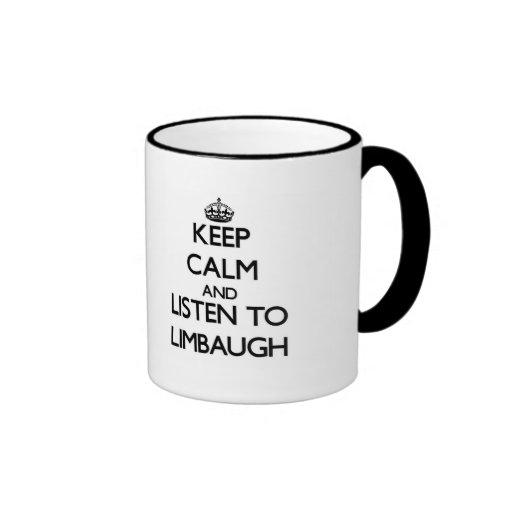 Guarde la calma y escuche Limbaugh Taza De Dos Colores