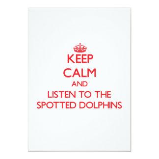 Guarde la calma y escuche los delfínes manchados invitacion personal
