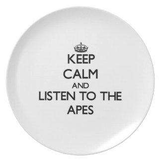 Guarde la calma y escuche los monos