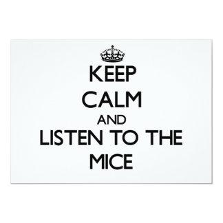 Guarde la calma y escuche los ratones invitación 12,7 x 17,8 cm