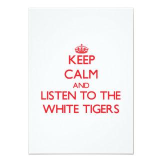 Guarde la calma y escuche los tigres blancos invitación 12,7 x 17,8 cm