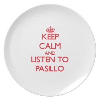 Guarde la calma y escuche PASILLO Platos Para Fiestas