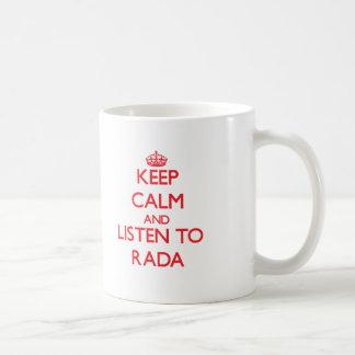 Guarde la calma y escuche RADA Taza Básica Blanca