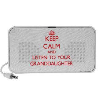 Guarde la calma y escuche su nieta altavoz de viaje