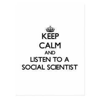 Guarde la calma y escuche un científico social postales