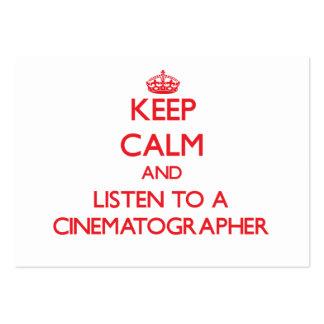 Guarde la calma y escuche un cinematógrafo plantilla de tarjeta personal