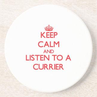 Guarde la calma y escuche un curtidor posavasos manualidades