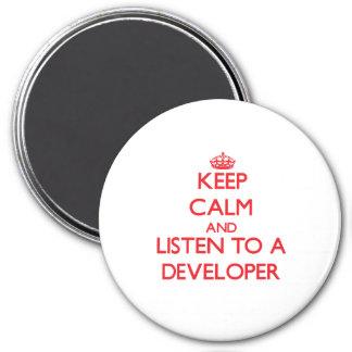 Guarde la calma y escuche un desarrollador iman de frigorífico
