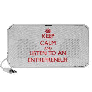 Guarde la calma y escuche un empresario notebook altavoz