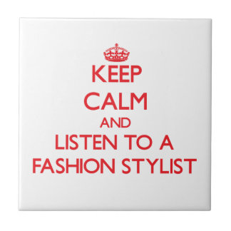 Guarde la calma y escuche un estilista de la moda teja