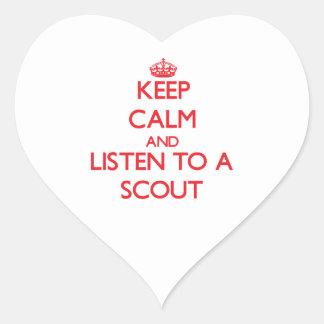 Guarde la calma y escuche un explorador calcomania corazon