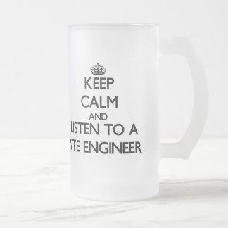 Guarde la calma y escuche un ingeniero del sitio tazas