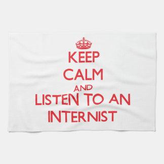 Guarde la calma y escuche un interno toallas