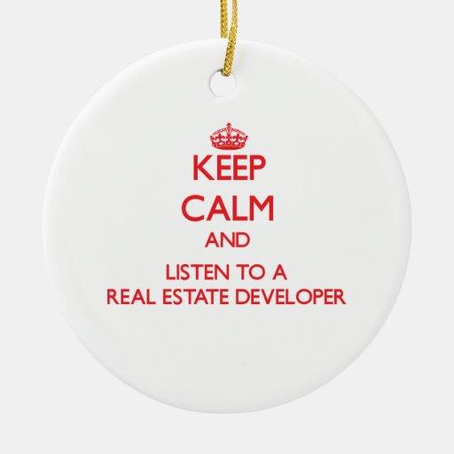 Guarde la calma y escuche un promotor inmobiliario ornamentos para reyes magos
