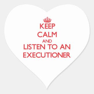 Guarde la calma y escuche un verdugo pegatina corazon personalizadas