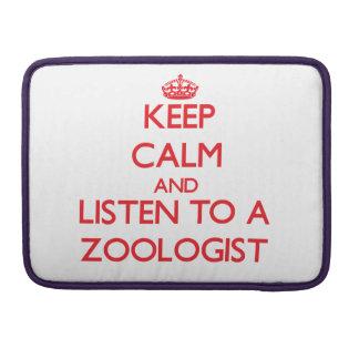 Guarde la calma y escuche un zoologista funda para macbooks