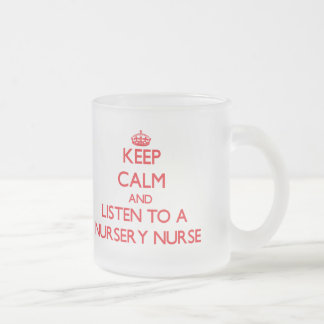 Guarde la calma y escuche una enfermera del cuarto taza de café