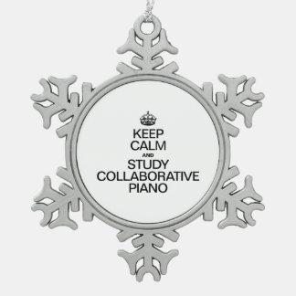 GUARDE LA CALMA Y ESTUDIE EL PIANO COLABORATIVO ADORNO DE PELTRE EN FORMA DE COPO DE NIEVE