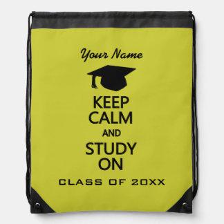 Guarde la calma y estudie en daypack de encargo mochila