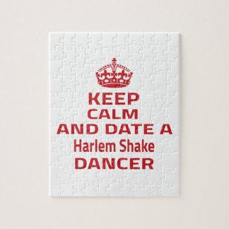 Guarde la calma y feche a un bailarín de la puzzles con fotos