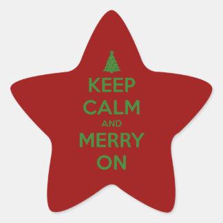 Guarde la calma y feliz en rojo y verde pegatina en forma de estrella
