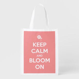 Guarde la calma y florezca en el tote bolsa para la compra