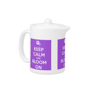 Guarde la calma y florezca en púrpura