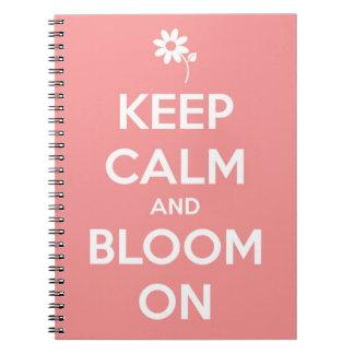 Guarde la calma y florezca en rosa notebook