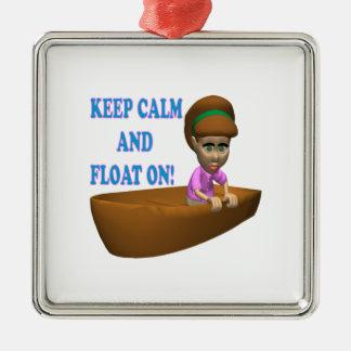 Guarde la calma y flote en 2 adorno cuadrado plateado