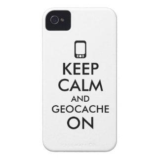 Guarde la calma y Geocache en el personalizado de Case-Mate iPhone 4 Cobertura