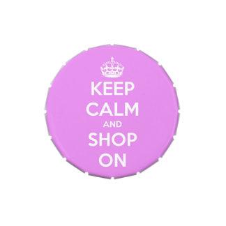Guarde la calma y haga compras en la lata rosada frascos de dulces