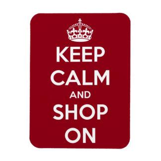 Guarde la calma y haga compras en rectángulo rojo imán