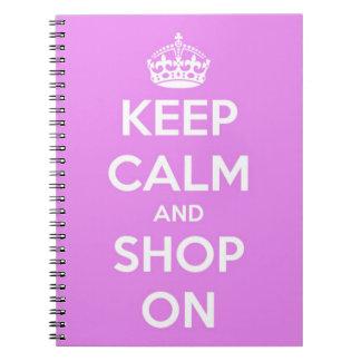 Guarde la calma y haga compras en rosa spiral notebook